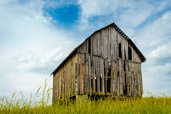 Long Point barn (FotoFloridian) Tags: sky newyork clouds barn landscape farm finger sony lakes aurora derelict a6000