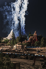 Change can be slow (Pixel-Pusher) Tags: new construction slow disneyland matterhorn thundermountain