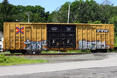 Irysh Wesoe (BombTrains) Tags: road railroad 2 art train bench graffiti paint tag graf rail spray cym graff kts freight tbox fr8 benching irysh wesoe 666911