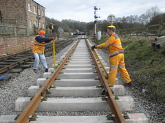Mark and Stephen pulling fast clips Newbridge 21Mar15