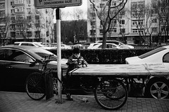 Street snapshot (Kevin.Beijing) Tags: china street boy sunlight afternoon tricycle beijng