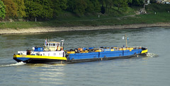 Piz Shkhara (Rolf H.) Tags: ship cologne kln rhine rhein schiff tanker tms tankship tankmotorschiff