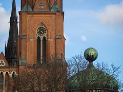 """Mon"" (i.love.uppsala.foto) Tags: mars moon clock church clouds march spring day cathedral sweden olympus spire uppsala sverige vr partlycloudy domkyrkan em1 gustavianum"