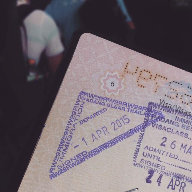 Semua orang sibuk post pasal GST, saya pun nak post juga. saya cop immigration di Border Malaysia-Thai pada tarikh permulaan GST. Hu hu hu :-) #gst