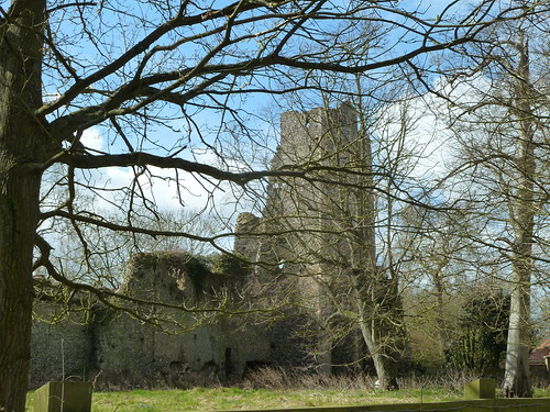 Mettingham Castle gatehouse and ruins (3 photos)