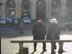 a couple (Hayashina) Tags: light italy bench torino couple italia turin hbm torinomilano