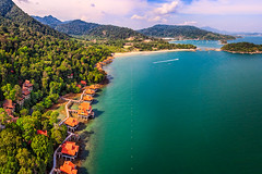 Langkawi Beach from above   Langkawi, Malaysia (NicoTrinkhaus) Tags: beach holidays insel island kuste landscape langkawi malaysia meer natur nature reisen sea sonnig summer travel tropical tropisch urlaub kedah drone birdview rainforest water chalet paradise hdr hdrphotography photography holiday aerial mountain vacation asia