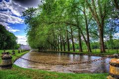 Parc du Chateau de Courances (Philippe Vieux-Jeanton) Tags: chateaudecourances park parc pond bassin tree trees arbre arbres summer hdr samyang12mmf20 essonne iledefrance