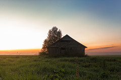 Mist And Barn Houses (k009034) Tags: 500px wooden copy space finland matkaniva oulainen tranquil scene agriculture architecture barn building clouds countryside dramatic sky evening fields nature night no people old rural sunset teamcanon copyspace tranquilscene dramaticsky nopeople