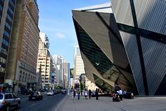 Canada 2016 – Toronto – Bloor Street West (Michiel2005) Tags: bloorstreet bloor bloorstreetwest rom royalontariomuseum toronto ontario canada