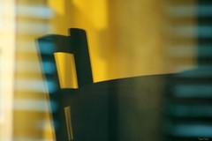 Torpeur estivale (martine_ferron) Tags: reflet volet chaise