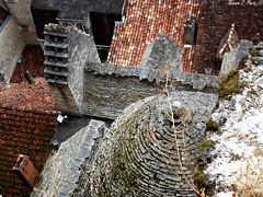 Sur les toits de Rocamadour (Noemie.C Photo) Tags: toits maisons houses tuiles old rocamadour lot france village ville city mousse ancien medieval chemine