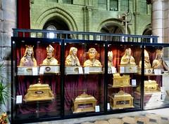 Longpont-sur-Orge - Notre-Dame-de-Bonne-Garde (Martin M. Miles) Tags: france shrine îledefrance druid relics 91 saintyon reliquary saintdenis cluniac essonne longpontsurorge viaturonensis notredamedebonnegarde dionysiusofparis