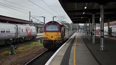 67016 York 25/04/2015 (Flash_3939) Tags: york uk station train diesel rail railway april locomotive dbs eastcoastmainline 2015 ews ecml class67 82207 67016 82219 dbschenker bn01 bn03