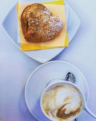 italian breakfast! (francesca giordano 3) Tags: food breakfast foodporn tuscany toscana cappuccino livorno colazione leghorn sfoglia italianbreakfast baracchinabianca