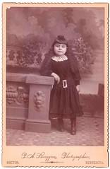 Vintage Cabinet Card : Hazel Irene Cook : Hector, Minn. (CHAIN12) Tags: vintage scan scanned photo antique woman younglady pose studio cabinetcard littlegirl phtomsumcabcrdhazelirenecookminn wyvell cook hazel irene