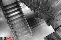 Step by step (MIDU PHOTO) Tags: madrid blackandwhite bw blancoynegro metal stairs canon market steps mercado malasaa escaleras escalones chueca callefuencarral eos1100d