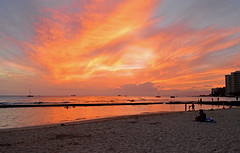 """Time Considered as a Helix of Semi-Precious Stones"" (jcc55883) Tags: ocean pink sunset sky sun clouds hawaii nikon oahu horizon pacificocean honolulu nikond3200 yabbadabbadoo d3200 kuhiobeachpark waikikli"