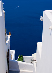 The Ocean Blue... (Emm Ess) Tags: blue sea white island sony aegean santorini greece thira fira minoltaamount slta55v sal55300