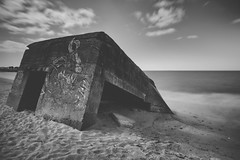 Reminder (Philippe Saire || Photography) Tags: canon eos 5d mark iii ef 1740mm f4l usm bunker blockhaus wwii war guerre histoire history noiretblanc blackandwhite bw nb mono monochrome vieux old ancien vestige relic paysage landscape seascape eau water mer sea ocean pointedetrvignon trvignon trgunc kerouini finistre bretagne breizh bzh brittany france plage beach playa sand sable long exposure wideangle jete shore cte coast shoreline littoral coastline hoya nd400 cokin p121m gnd4 ciel sky nuages clouds vague wave fullframe ff pleinformat philippesaire