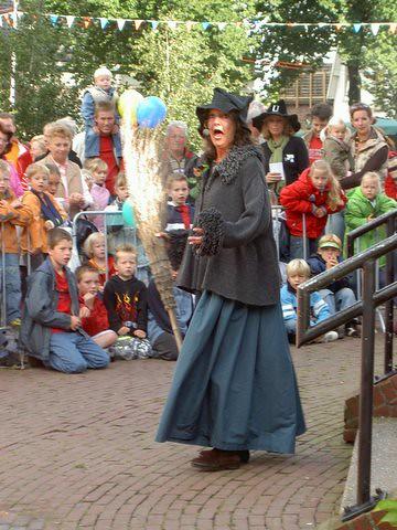 200509 Poppenkast braderie 17-9-2005 014