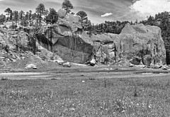 Perennial scenery (U Murillo) Tags: rocks landscape trees river flowers outdoors sky water greens light clouds sun summer bw old mexico carlzeisslenses variosonnart282470 ilce7rm2 a7rii fe sony noiretblanc blancoynegro mountain stones world nature naturaleza paisaje agua cielo landschaft