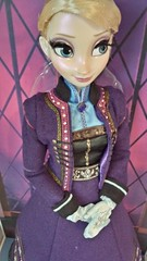 Disney Limited Edition 17'' Regal Elsa Doll - March 2015 (myuoi) Tags: march frozen doll purple disney 17 limited edition elsa regal 2015