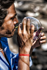 The bubble man (Nitesh-Bhatia) Tags: street portrait people india man work nikon baloon streetphotography kerala bubble indians seller