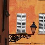 Eclairage public, viccolo al Battistero, Parme, Emilie-Romagne, Italie. thumbnail