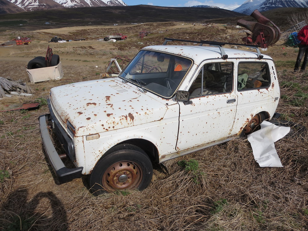 Hiring a writer car in iceland in march
