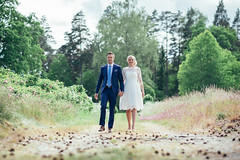 The walk (R o b b a n) Tags: wedding couple fujifilm fuji fujinon xt1 56 5612 12 sweden swedish people outdoor walk