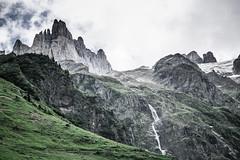 Spannort 02 (jonasfischle) Tags: gelb mountain berg klettern climbing landschaft landscape stimmung atmosphere mystic wall fels wand struktur mystisch spannort wandern hike