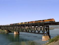 Topock AZ Tuesday April 12th 2005 1133MDT (Hoopy2342) Tags: train rail railroad railway topock arizona az coloradoriver bridge bnsf burlingtonnorthernsantafe santafe california