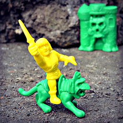 MOTUSCLE: He-Man, Battle Cat & Grayskull (LittleWeirdos) Tags: motu mastersoftheuniverse motuscle battlecat heman castlegrayskull grayskull eternia super7 musclefigures minifigures fantasy 80sfantasy