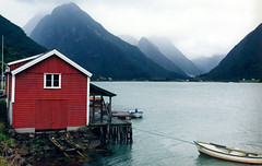 Wrinkles in the Fjord (YIP2) Tags: fjaerland landscape water fjrlandsfjorden norway fjord sognogfjordane mountains misty naust norge red