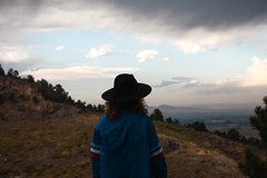 (Taran W) Tags: mountains blue sky clouds outdoors people portrait portraiture youth