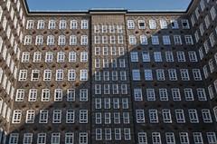 Sprinkenhof (Juliett09) Tags: pentaxk5 sigma18250 darktable hamburg fenster window