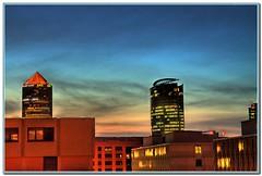 Vue sur la ville (nicéphor) Tags: ville immeubles crépuscule oir lyon rhône building sunset hdr light lumières paysages landscape town