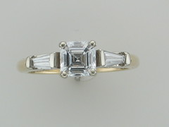 Ascher Cut diamond with baquette diamonds set in 14kt yellow gold