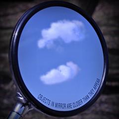 Die Objekte im Spiegel sind nher als du denkst! (Uli He - Fotofee) Tags: nikon uli ulrike frhling nikon90 fotofee ulrikehe ulihe