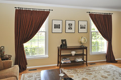 drapes-red-livingroom