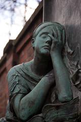 (michael_hamburg69) Tags: sculpture friedhof cemetery graveyard female germany munich münchen bayern deutschland skulptur churchyard burialground nordfriedhof alternördlicherfriedhof gottesacker alternordfriedhof