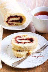 Swiss roll (manyakotic) Tags: food cup breakfast dessert strawberry berry tea sweet swiss filled slice snack pastry brunch raspberry roll treat jam sponge marmalade baked rolled roulade rolypoly jellyroll