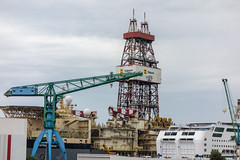 Bateau Forage ptrolier SAIPEM (Bernard Ddd) Tags: france port marseille bateaux forage saipem provencealpesctedazur