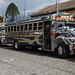 Ônibus antigos e bem cuidados