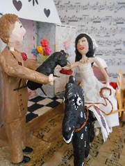 O Grande dia... (* Cludia Helena * brincadeira de papel *) Tags: wedding brazil love brasil amor felicidade casamento papermache noivinhos papiermach papelmach cludiahelena vanessaefelipe