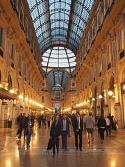 Galleria Vittorio Emanuele II (bingley0522) Tags: olympusep5 olympusmzuiko17mmf28 milan milano galleriavittorioemanueleii galleria shoppers fashionistas