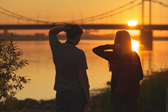 (engine9.ru) Tags: morning bridge sun water sunrise river peoples       arkhangelsk