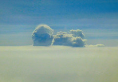 Stacked cumulus clouds over Caribbean Sea (ltimothy on/off) Tags: nwn clouds nubes airplane avin
