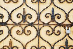hearts locked (Dieter Drescher) Tags: herz heart verschlossen locked schloss lock vorhngeschloss padlock muster pattern ornament schmiedeeisern wroughtiron rost rust rostig rusty beige dieterdrescher